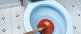 Toiletpot met ontstopper